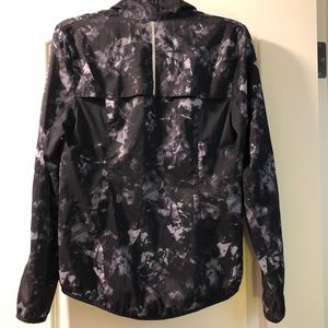 Old Navy Jackets & Coats - Old Navy Active lightweight jacket size XS